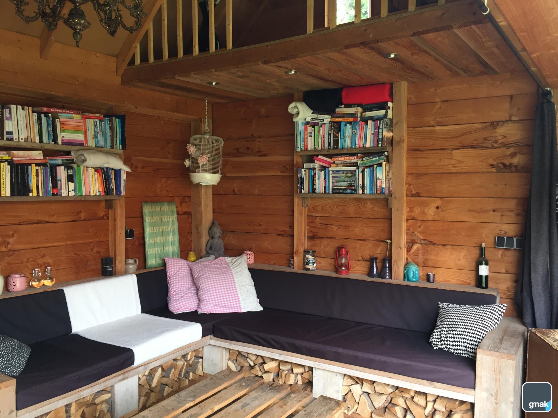 veranda met houtkachel