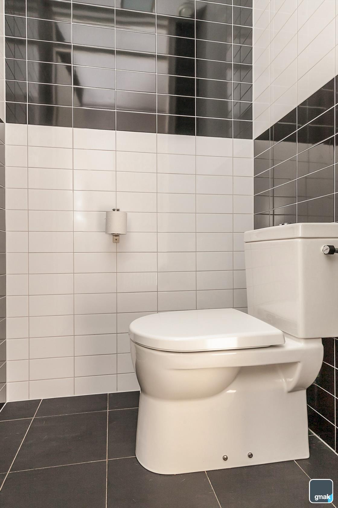 Toilet Hal