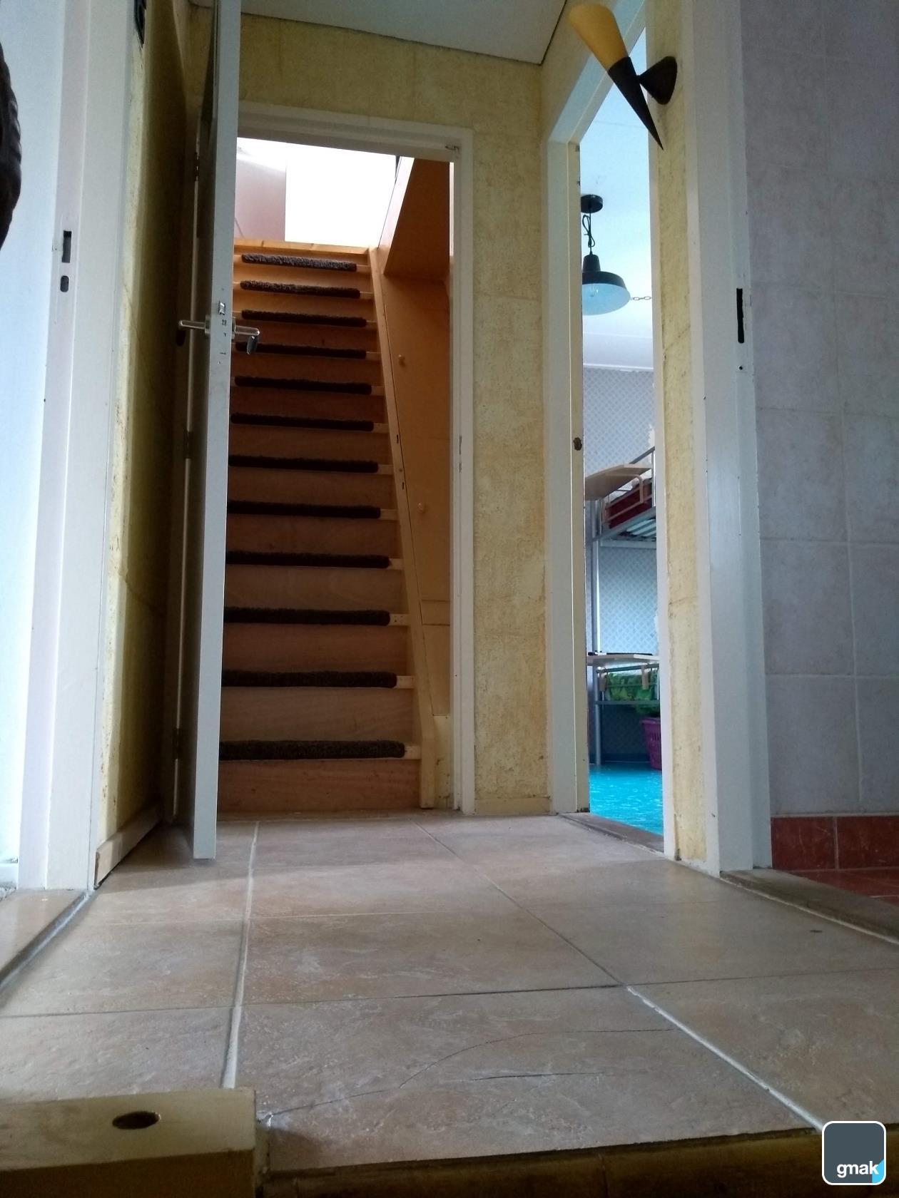 vaste trap naar de zolder.